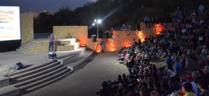 """A lleno total se realizó la """"Gran Noche de Estrellas"""" en el cerro San Cristóbal"""