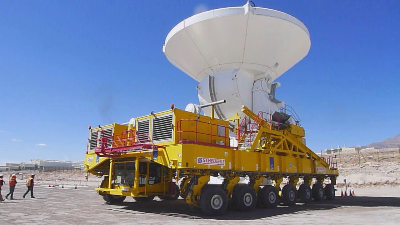 La última antena de ALMA es transportada al observatorio