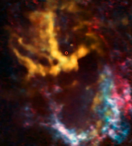 Enjambre de nubecillas alrededor de nuestro agujero negro supermasivo